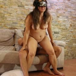 Lucia y Anás quieren vivir el morbazo de grabar porno
