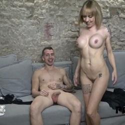 Milf rubia se decide a grabar una porno y viene dispuesta a que la partan el culo