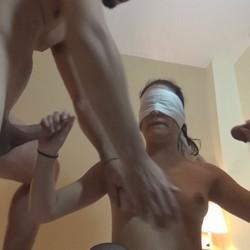 La fantasia de un marido morboso, follando a ciegas con amigos del marido