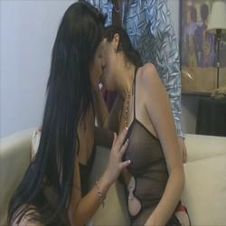 Casting de Luisiana y Gloria dos diosas haciendo un lesbico