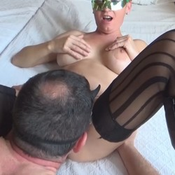 Las primeras experiencias de Penelope y Froilan en el porno