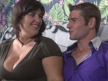 Sonia y Agustin nuevo Teleporno.Así se folla en los pueblos de España