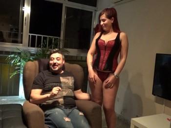 Ruben madurito y morboso nos presenta a Rebeca la muñequita