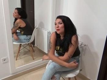 Leonor pregunta como empezar en el porno y acaba follando como una loca