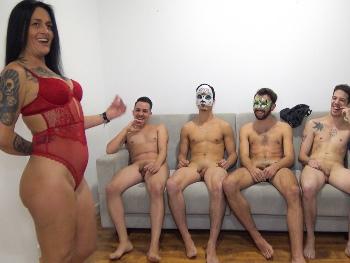Probando a yogurines! Sofia Gym se encarga del casting a 4 valientes.