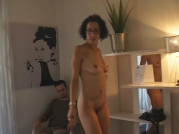 El casting de Nancy la gafapasta,una latina con ganas de hacer porno